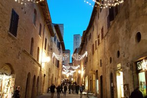 Via San Matteo - Christmas 2017